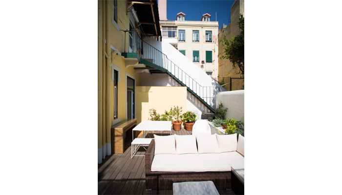 Courtyard Apartment in Lapa